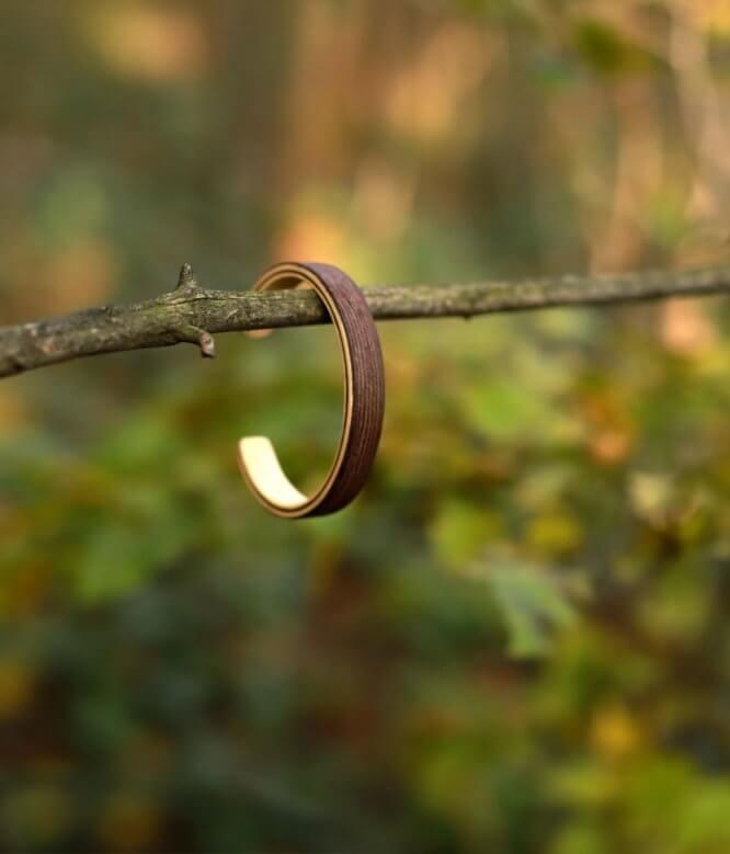 Pinus - drevený náramok