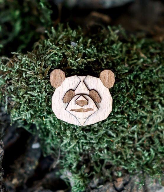 Panda - drevená brošňa